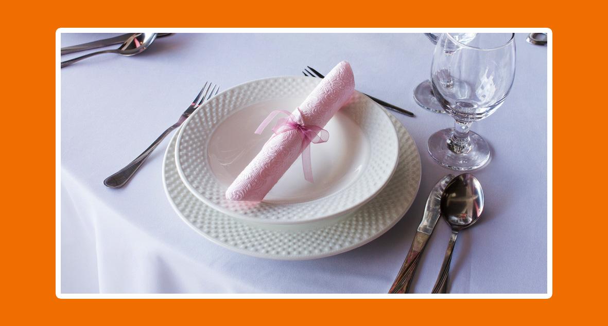 Rose Servietten. Servietten falten für Hochzeit